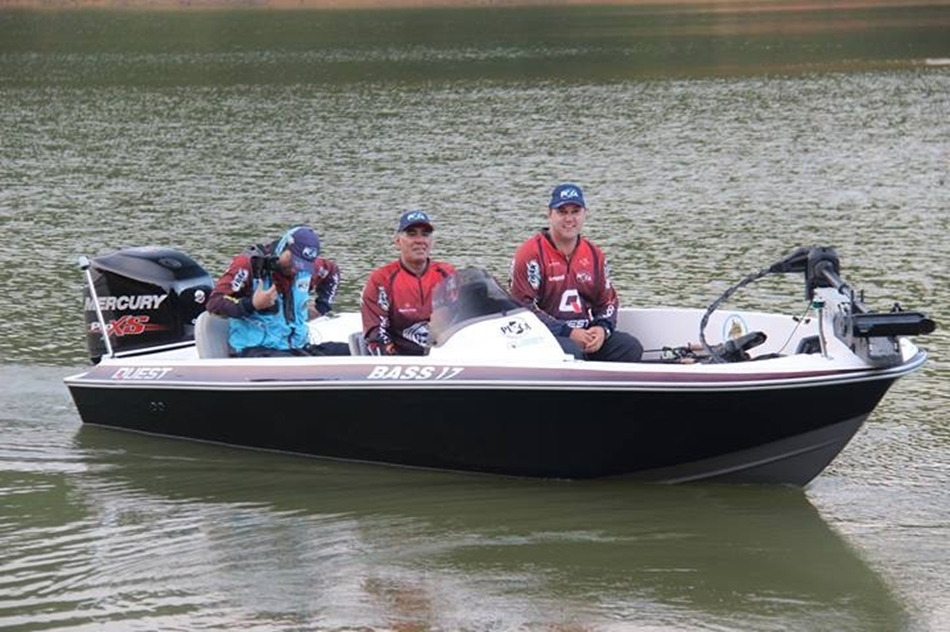 Quest Boats Bass 17