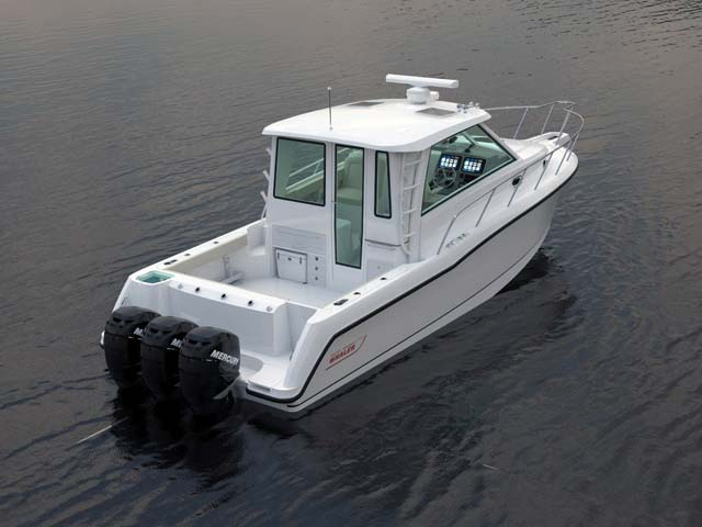 Boston Whaler345 Pilothouse