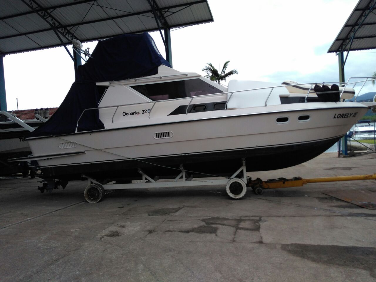 Intermarine Oceanic 32