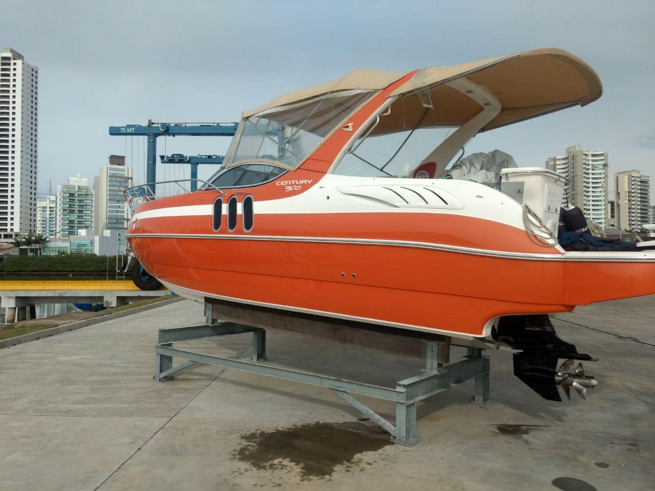Century Yachts 300