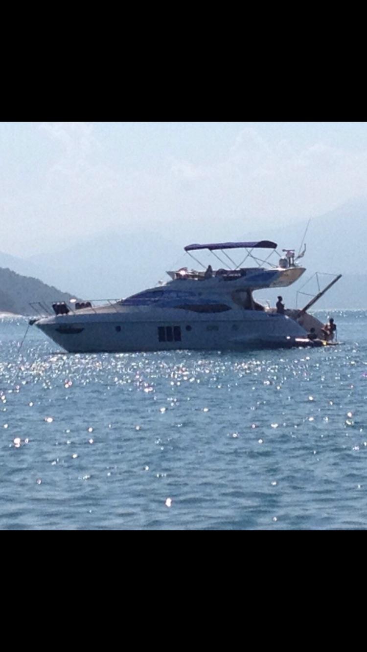 Azimut Yachts 48 Flybridge