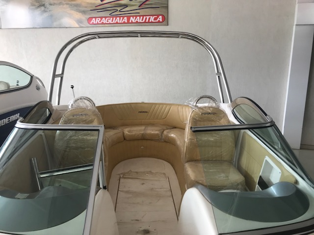 Phoenix Boats 235 Platinum