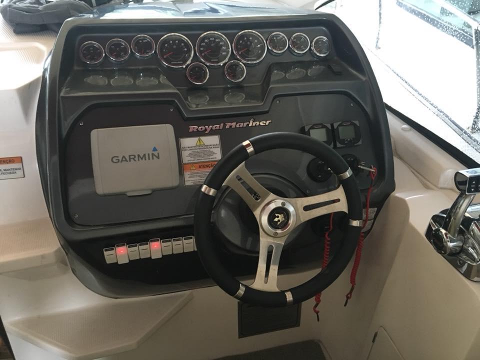 Royal Mariner RM 370 cab