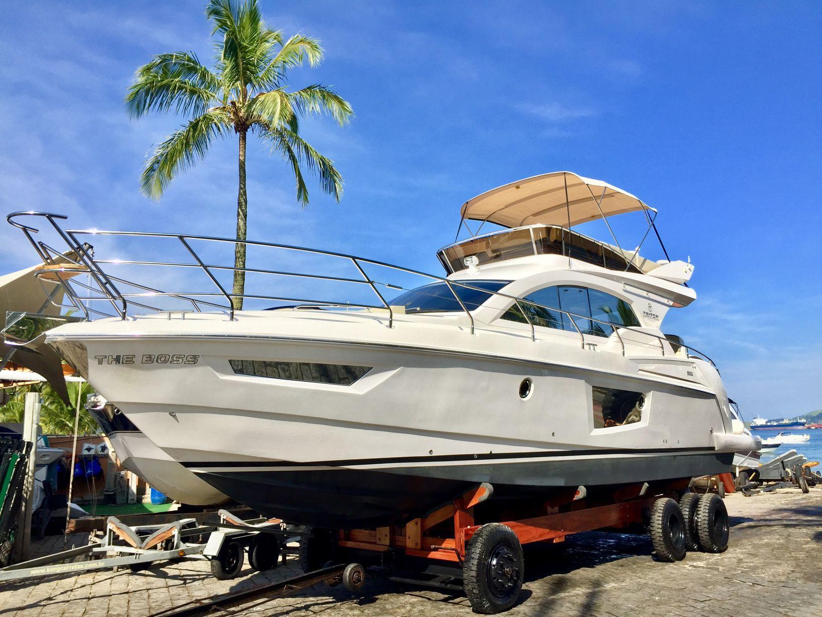 Triton Yachts 500 Fly