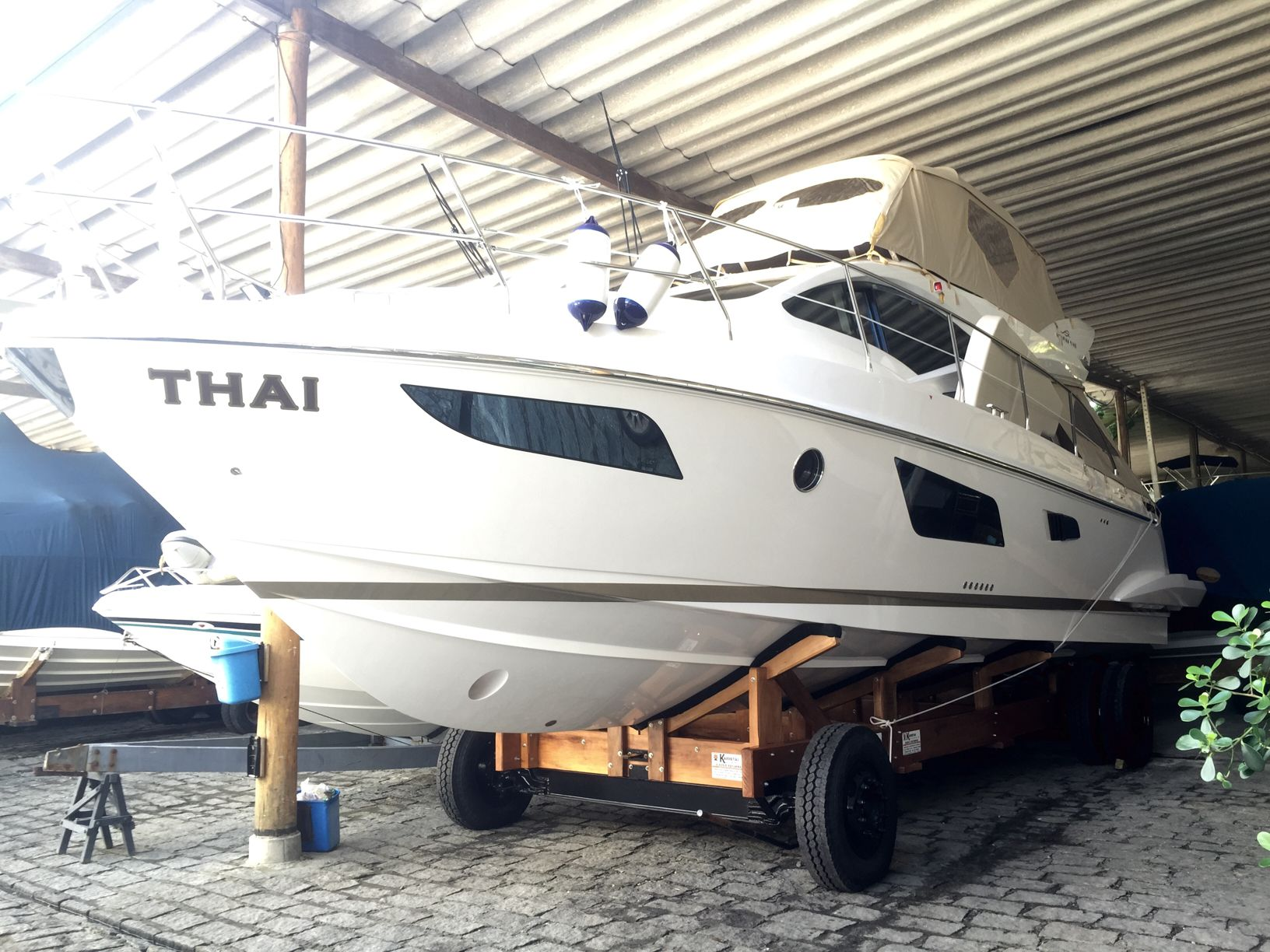 Intermarine 430 Full