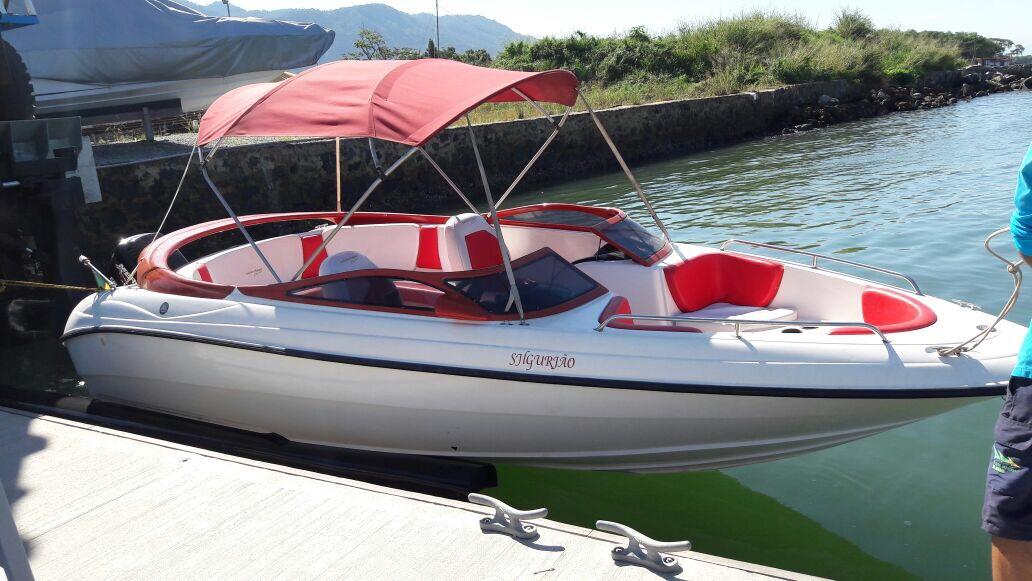 Phoenix Boats 230 Classic