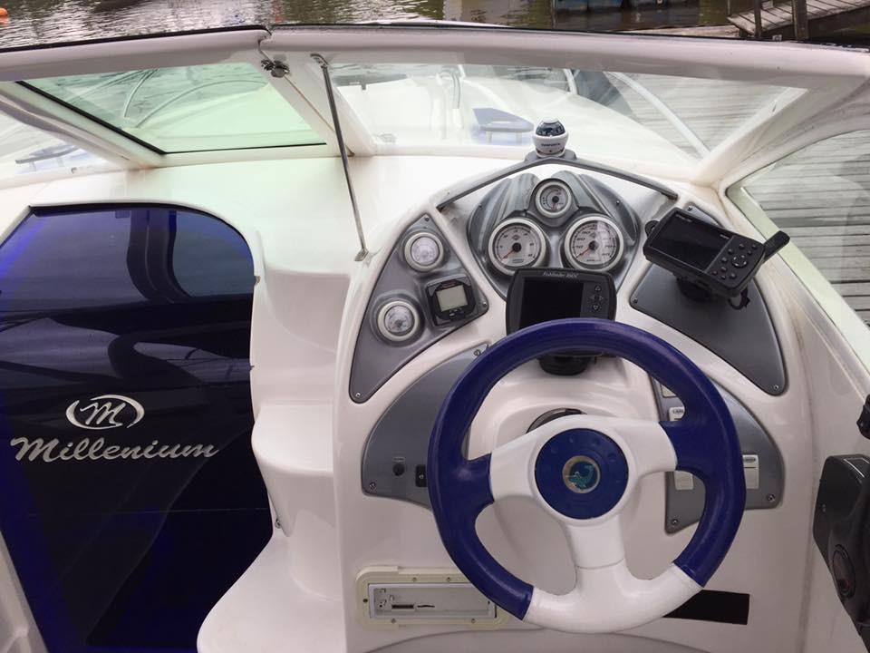 Millenium 240 Sport Cabinada