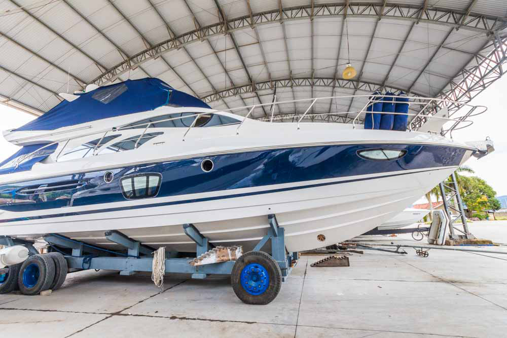 Intermarine 560 Full