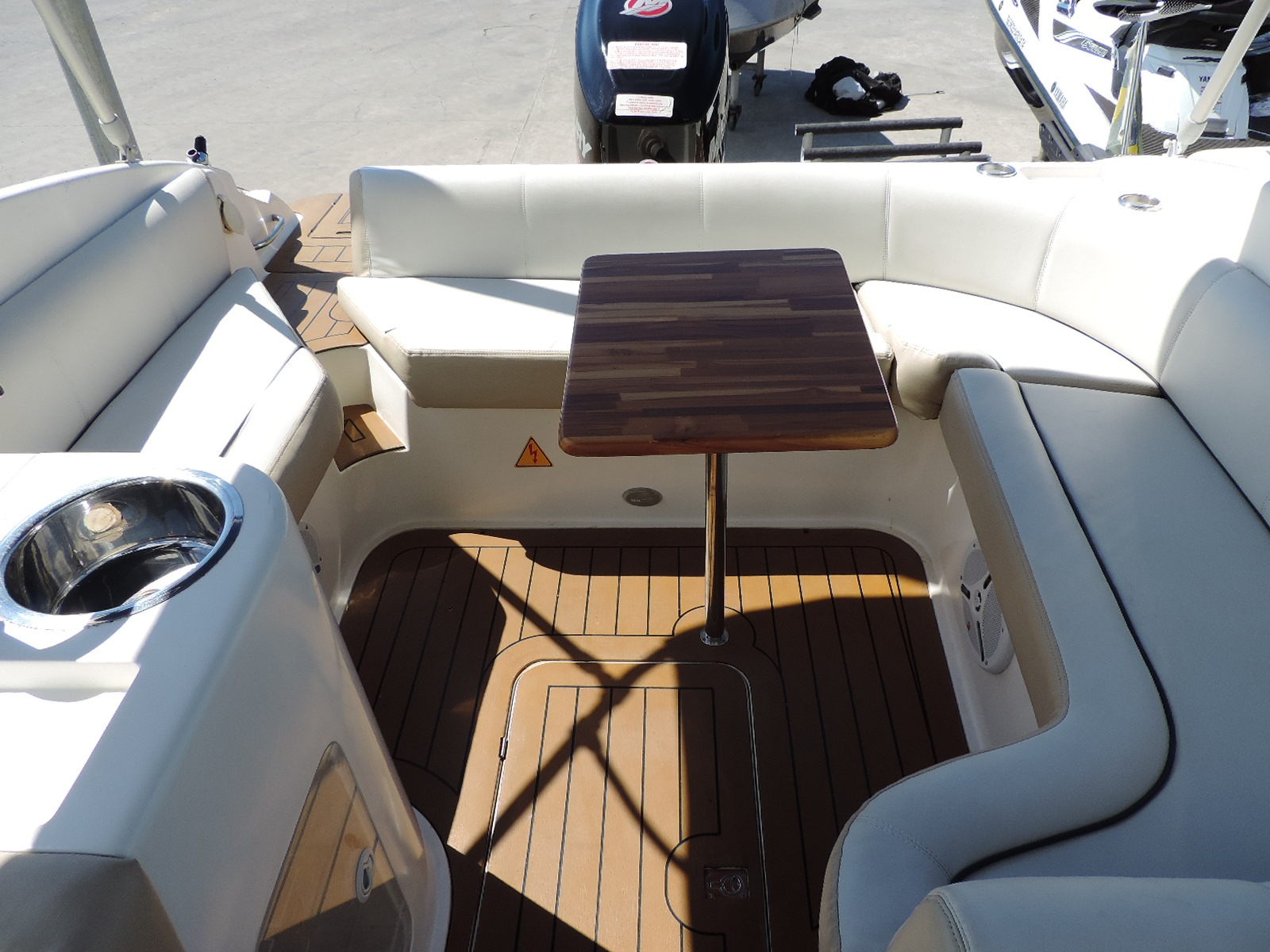 Real Powerboats real class 220