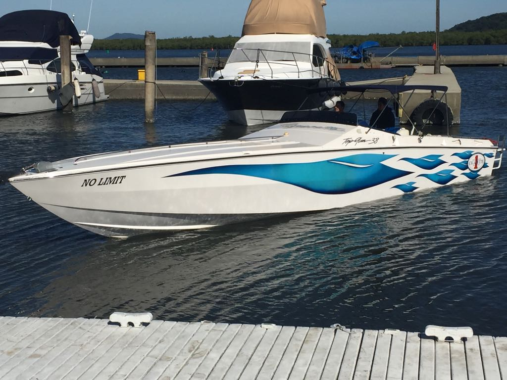 Superboats Topgun 38