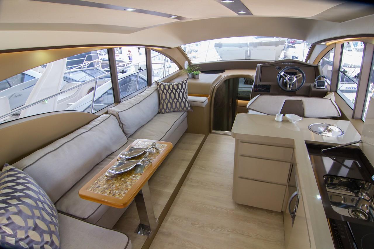 Triton Yachts 52 HT