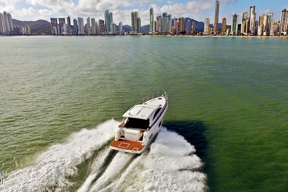 Top Line Yachts 410 HT