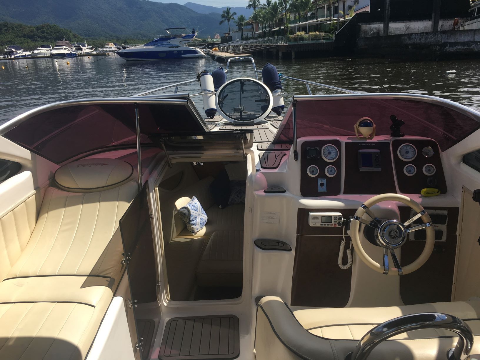Phoenix Boats 290 Platinum