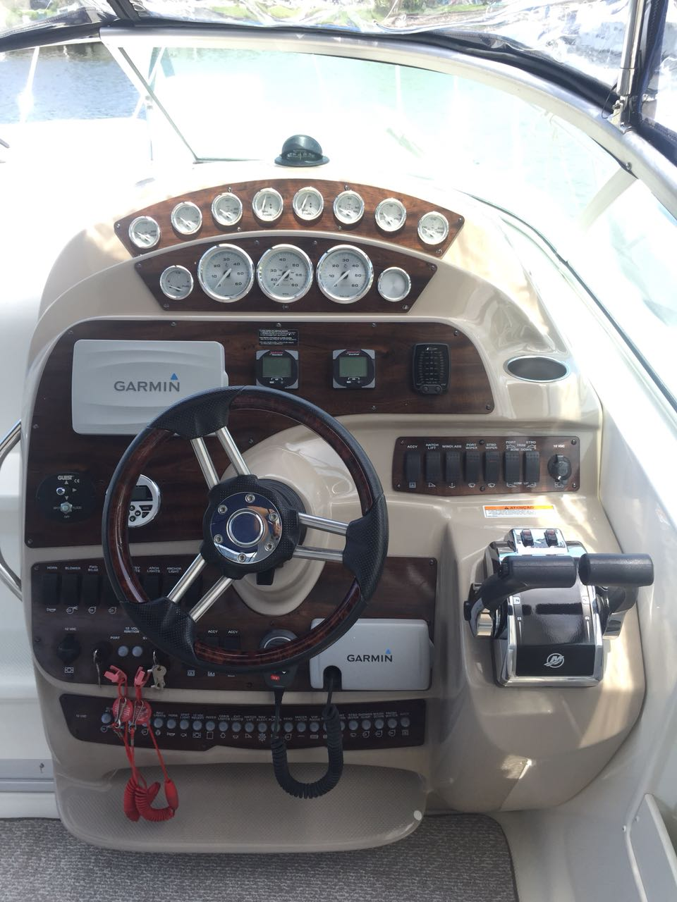 Bayliner 350