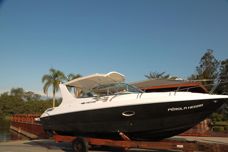 Triton Yachts 270