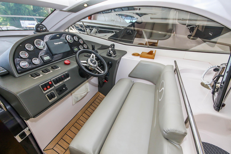 Schaefer Yachts Phantom 400 HT