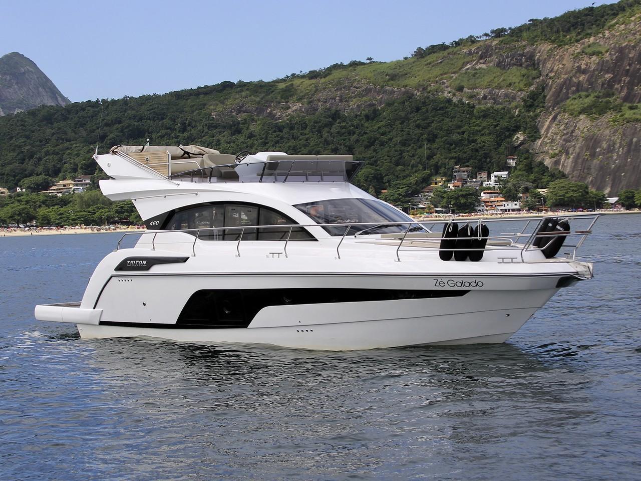 Triton Yachts 460 FLY