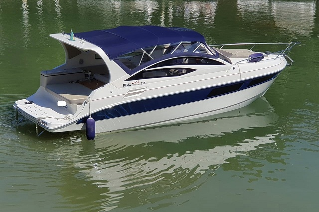 Real Powerboats Real 315