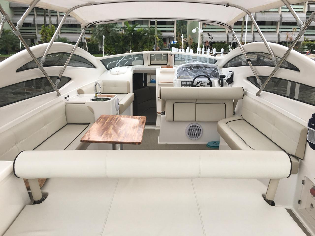 Real Powerboats Real 315