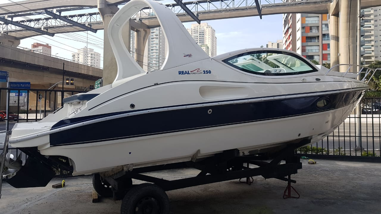 Real Powerboats Class 250 Centro