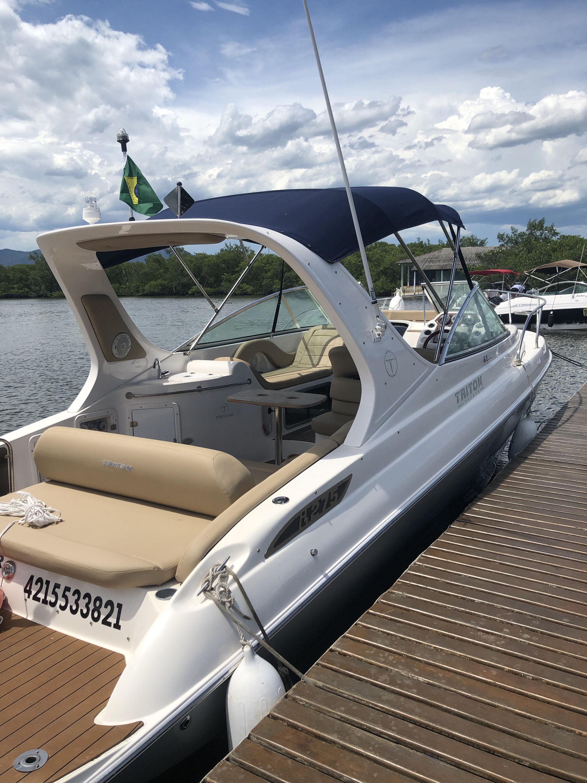 Triton Yachts i275
