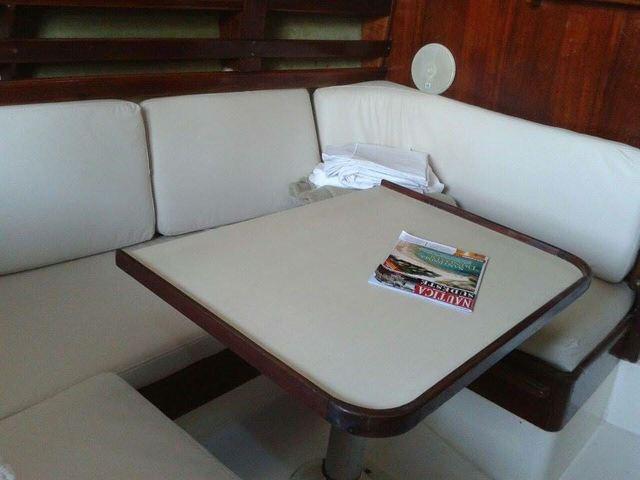 Jensen Marine Yachts CAL 2.30
