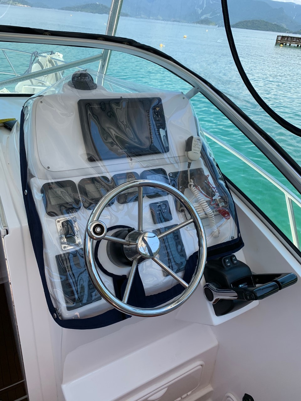 Victory Yachts V305