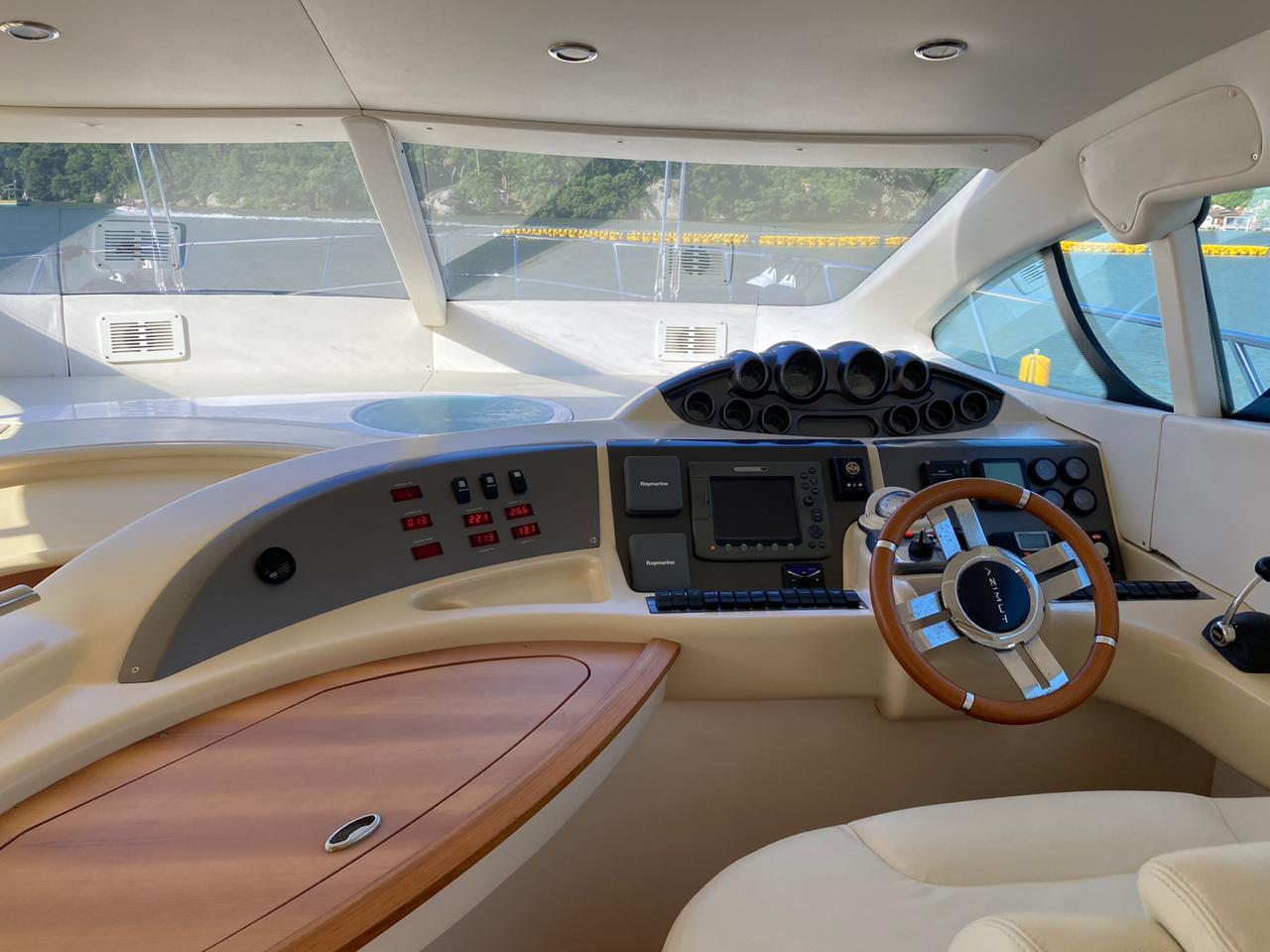 Intermarine 560 Full