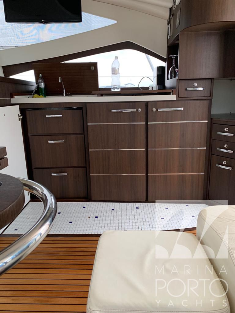 Schaefer Yachts Phantom 500 Fly