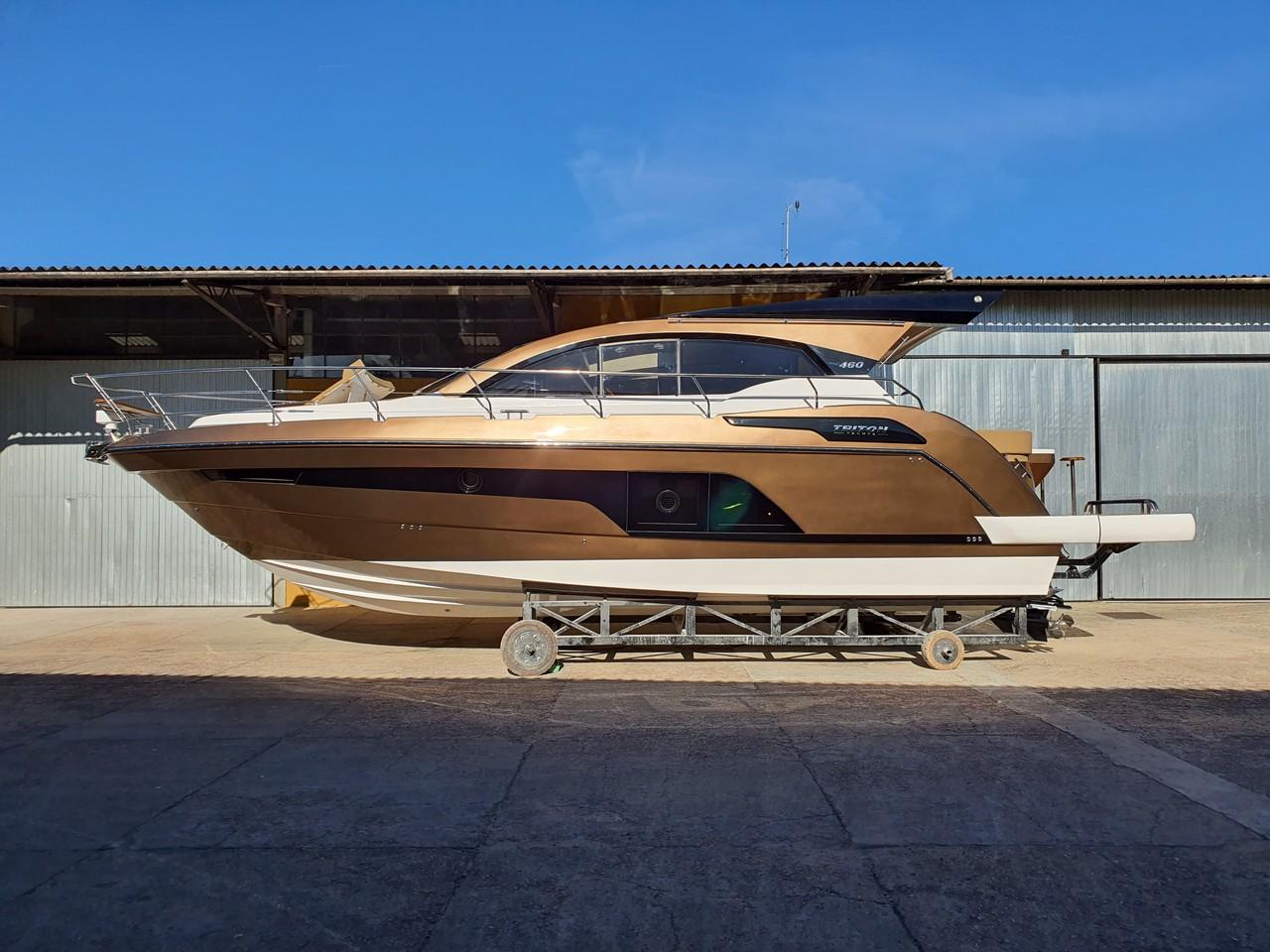 Triton Yachts 460 HT
