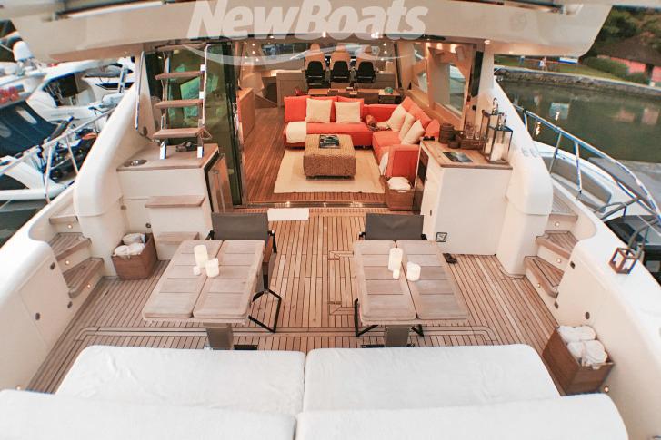 Schaefer Yachts Phantom 800 R: 362