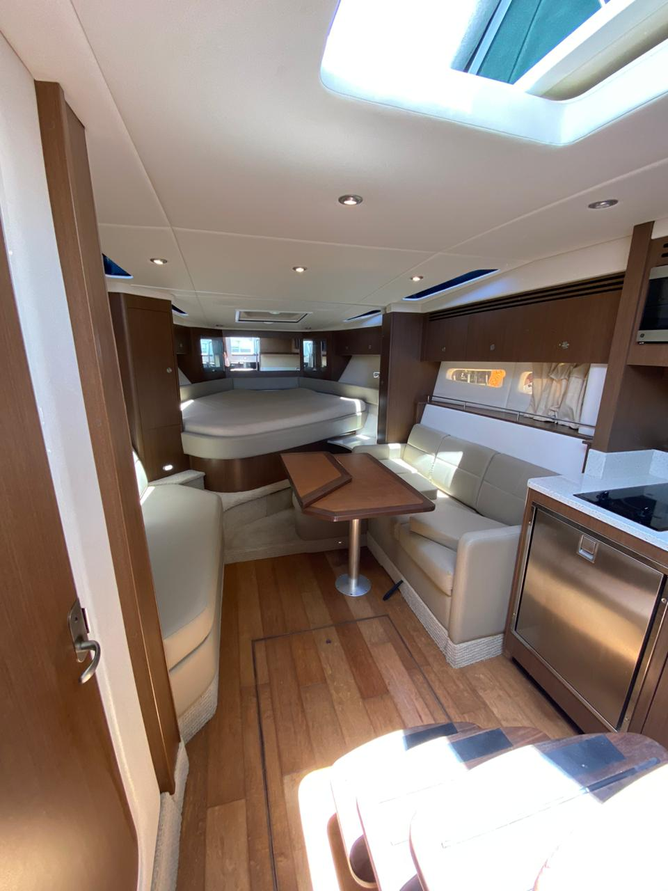 Sea Ray 375 Sundrancer