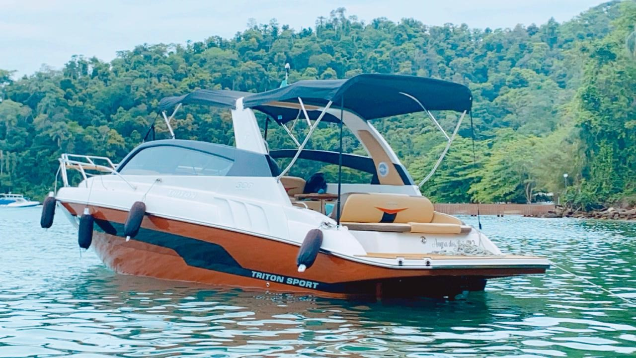 Triton Yachts 300