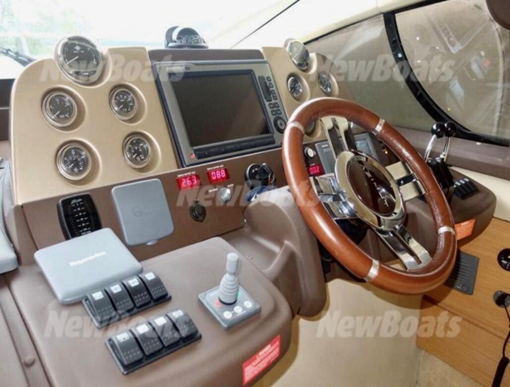 Azimut Yachts 43