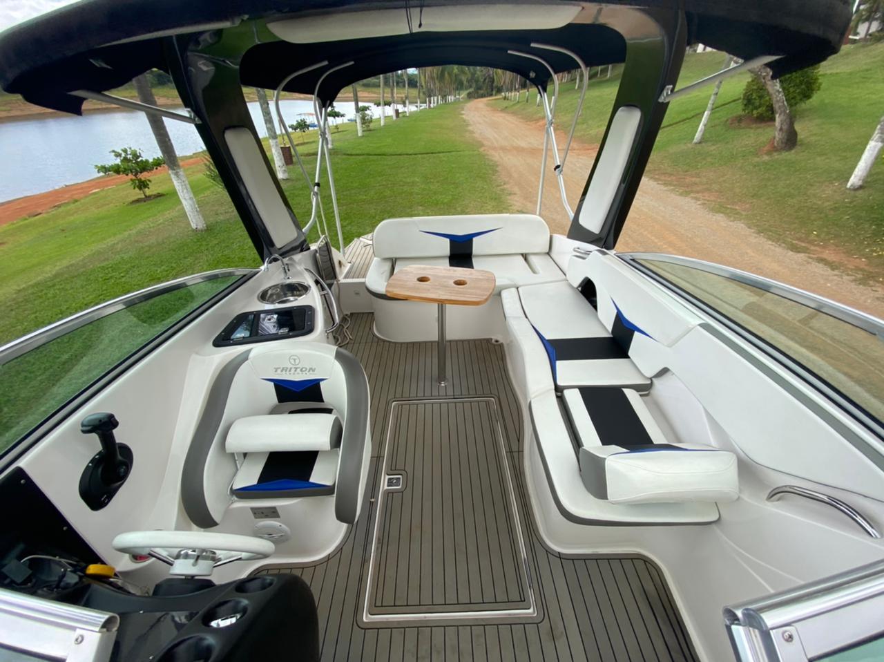 Triton Yachts 250 Open