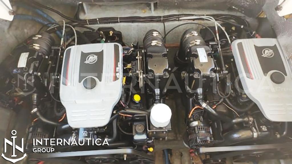 Triton Yachts 295