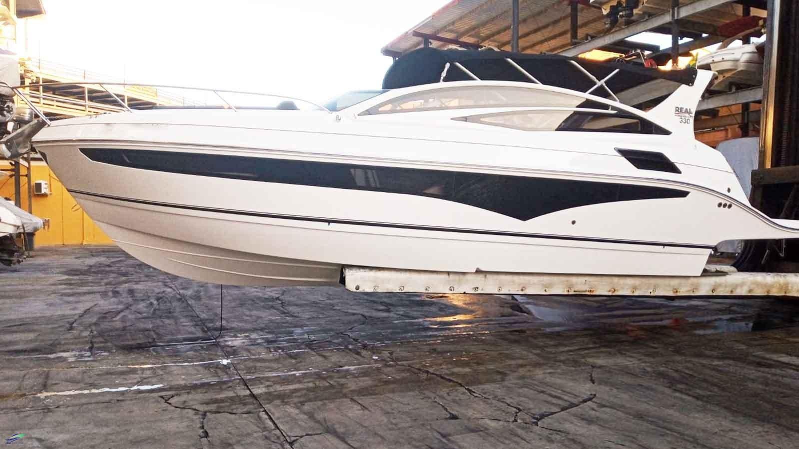 Real Powerboats Real 330