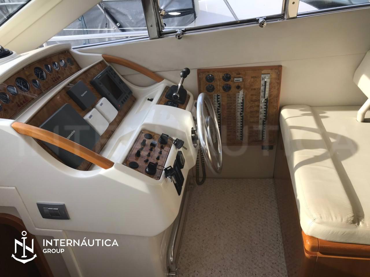 Ferretti Yachts 460 Platinum Fly